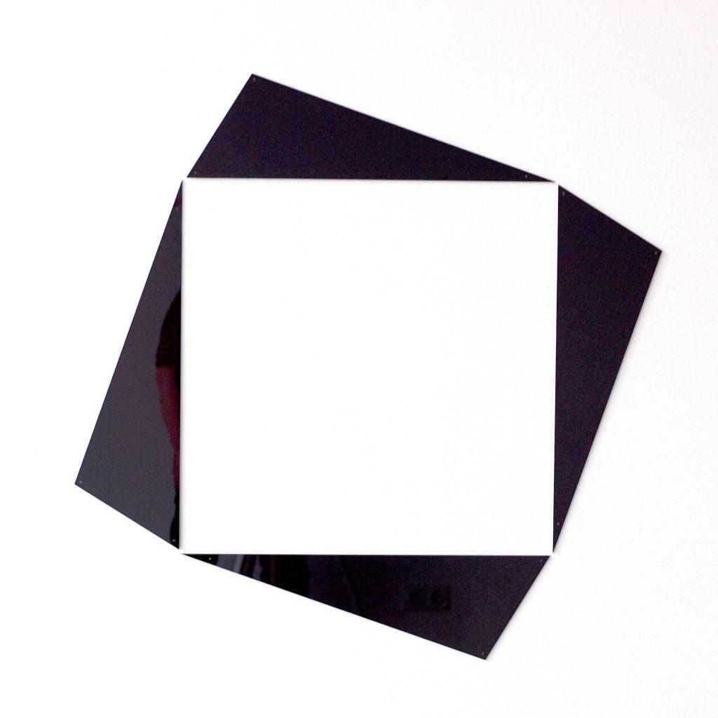 gh_inside out_arylglasschwarz_92x92x0,3 cm_auflage3